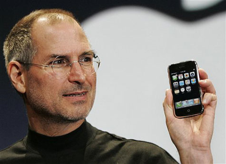 steve-jobs-iphone.png